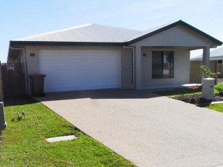View profile: SHORT WALK TO THE PIRATE PARK!