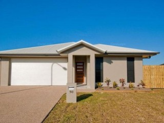 View profile: NORTH SHORE - 4 BEDROOMS – SIDE ACCESS FOR BOAT OR TRAILER
