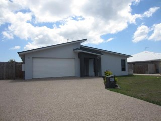 View profile: WALK TO ST CLARES, SHOPS, GYM, POOL, BUNNINGS … SO CONVENIENT!