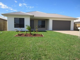 View profile: 2 SEPARATE LIVING AREAS – TILES THROUGHOUT -  HUGE BACK YARD