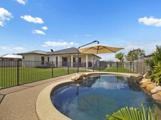 View profile: HUGE HOME – POOL – SHED – 1/2ACRE