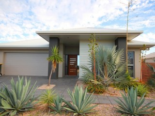 View profile: STUNNING HOME A STREET BACK FROM ST CLAIRES