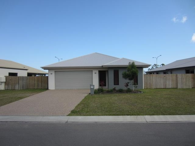 NORTH SHORE - 4 BEDROOMS – WALK TO PLAY GROUND