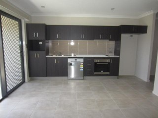 View profile: 2 BEDROOMS & 2 BATHROOMS! NEAR NEW!