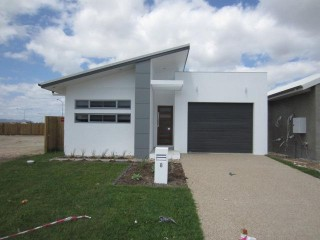 View profile: BURDELL – WALK TO PIRATE PARK –OPEN PLAN LIVING