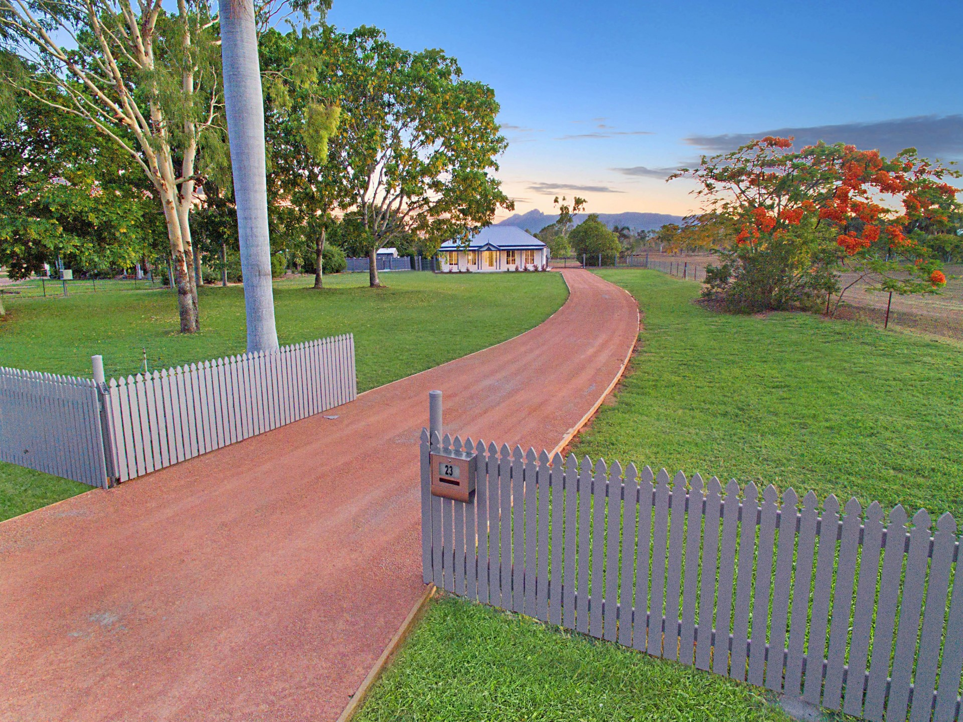 350sqm of House & Shed - A must to Inspect!