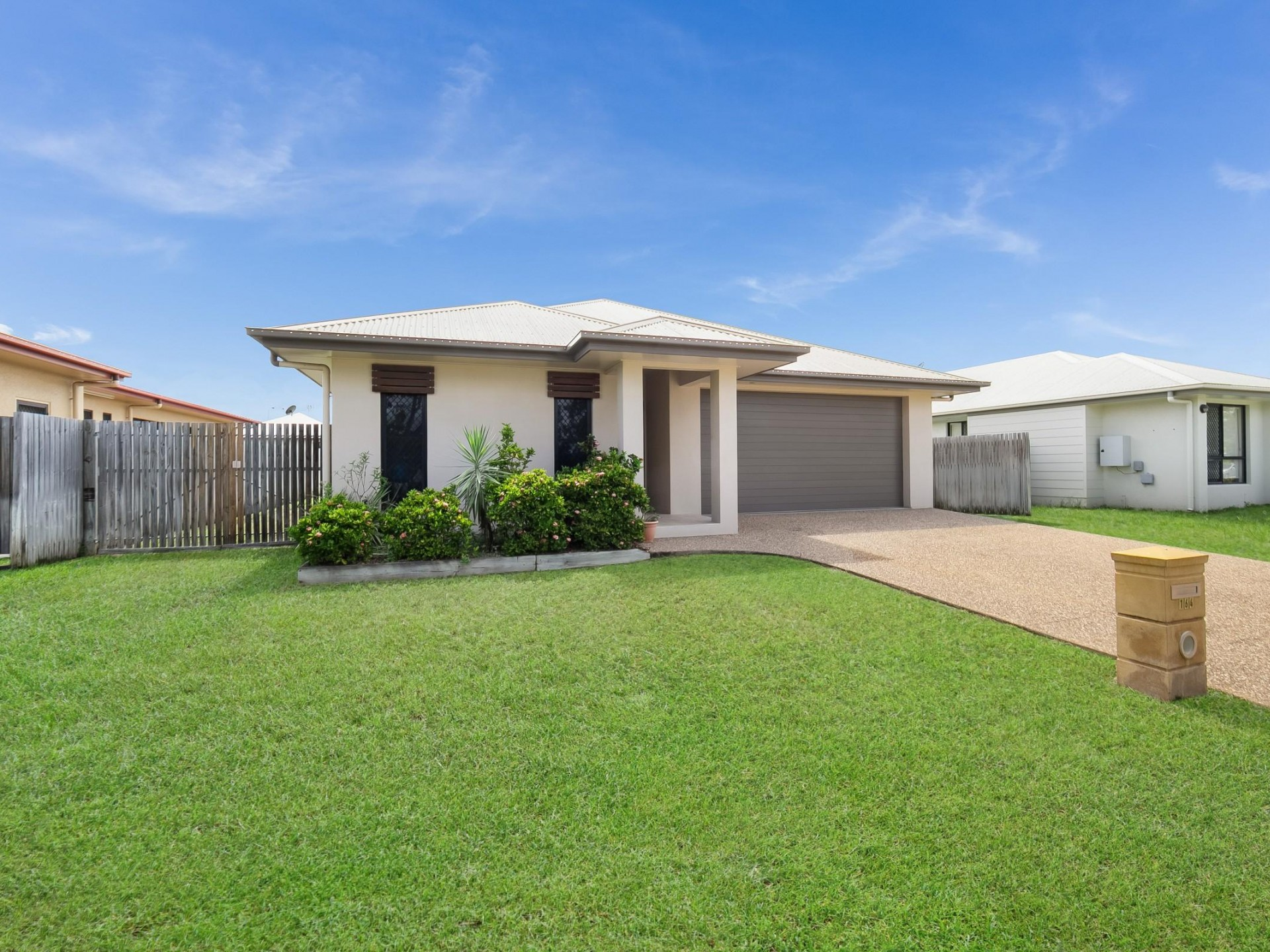 GREAT FAMILY HOME With Double Side Gate Access