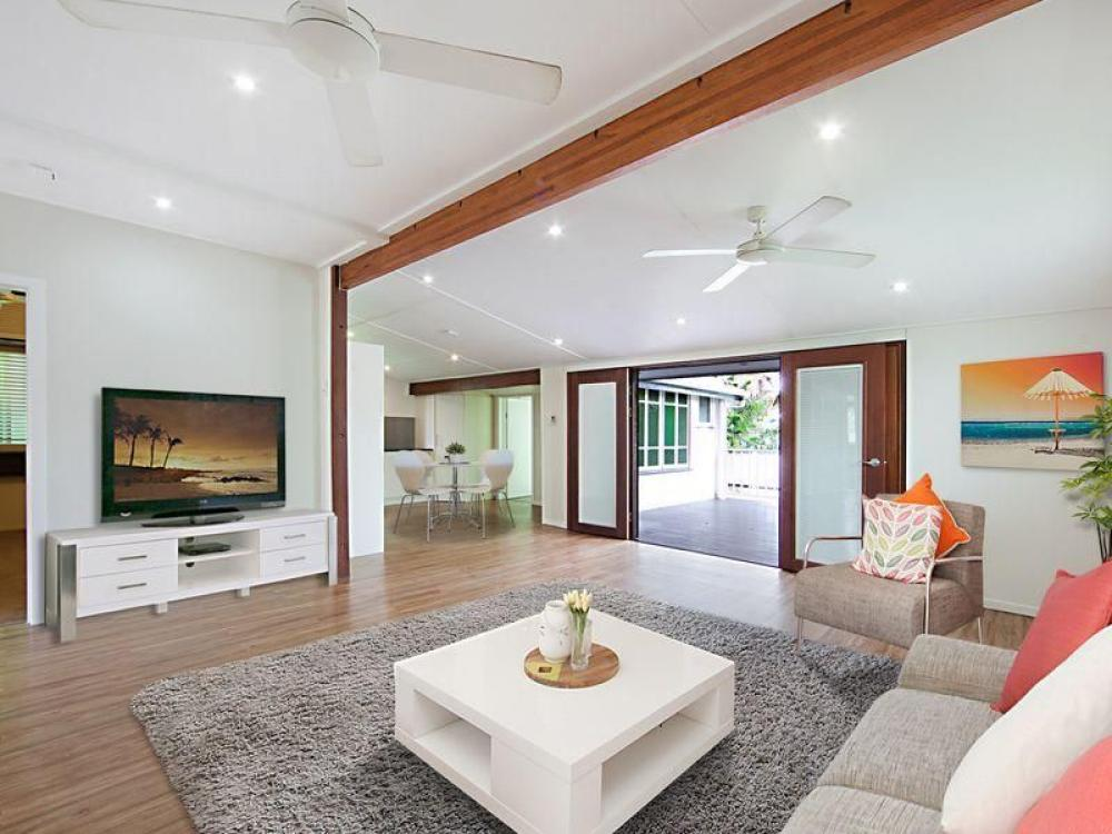 Renovated Character Home In Bell Street
