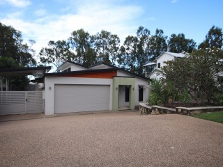 View profile: AWESOME VALUE – DO NOT MISS OUT ON THIS HOME!